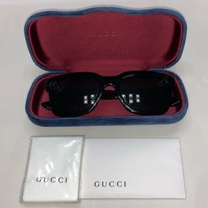 Women's Gucci Sunglasses Red and Green stripes
